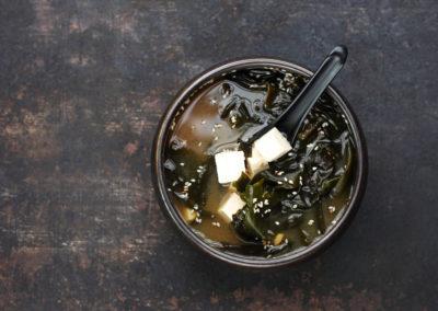 Sopa Vegetal Con Wakame Y Tofu